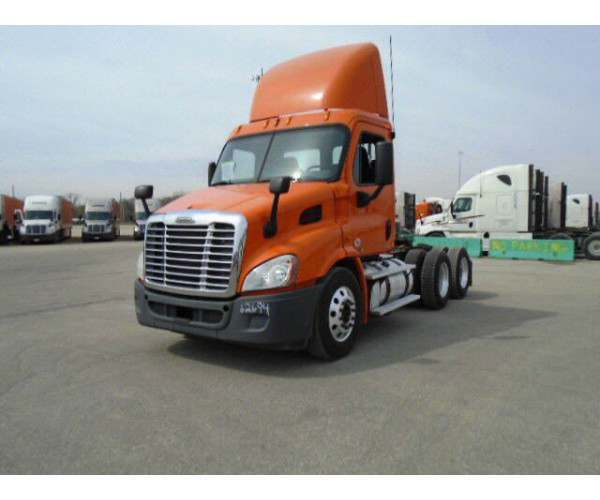 2011 Freightliner Cascadia Day Cab11