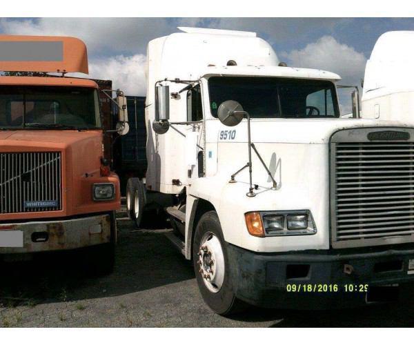 1993 Freightliner FLD Flattop 7