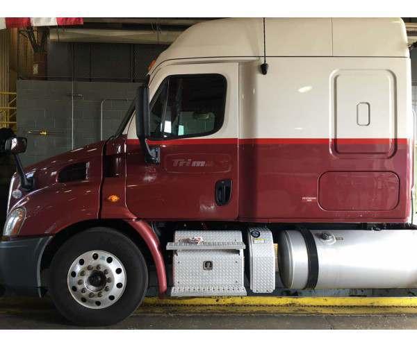 2013 Freightliner Cascadia 2