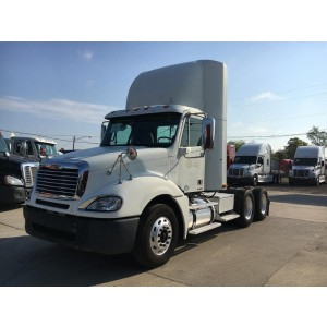 2009 Freightliner Columbia Day Cab in FL