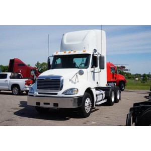 2007 Freightliner Columbia Day Cab in MI