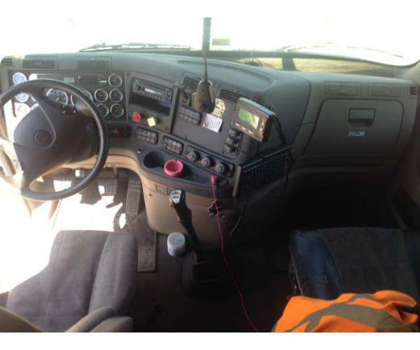 2012 Freightliner Cascadia dashboard