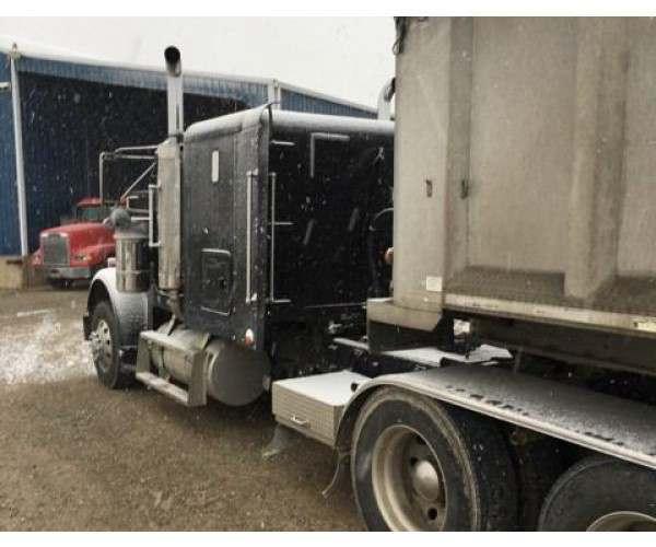1999 Freightliner FLD120 1