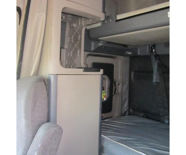 2011 Freightliner Cascadia in FL