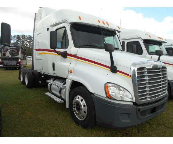2012 Freightliner Cascadia 1