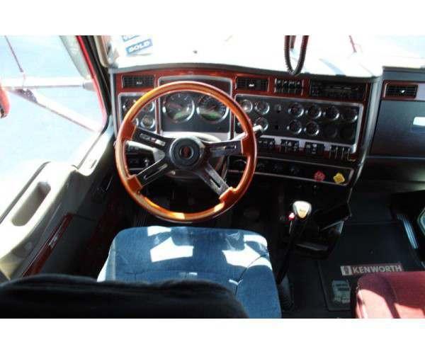 2006 Kenworth T600 13