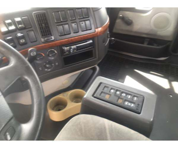 2009 Volvo VNM 200 Day Cab in FL