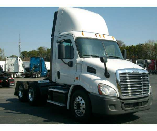 2013 Freightliner Cascadia Day Cab4