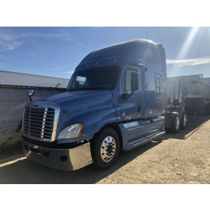 2012 Freightliner Cascadia in CA