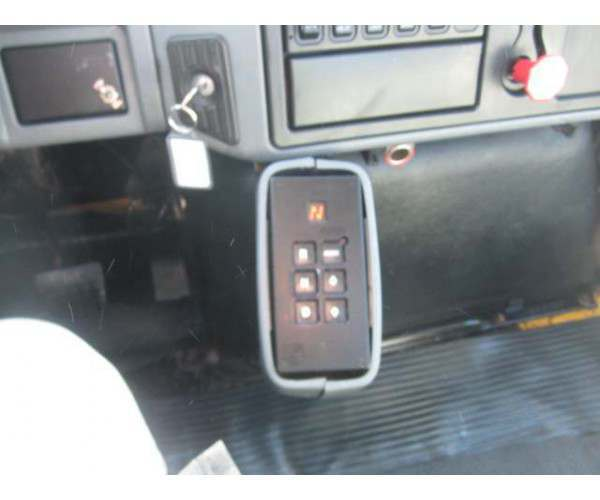 2006 International 7400 Day Cab 6