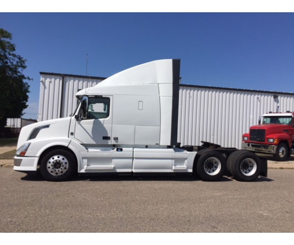 2013 Volvo VNL 630 in MN