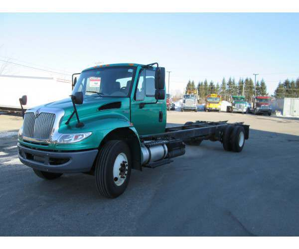 2009 International 4300 with DT 466 engine, wholesale, NCL Truck Sales