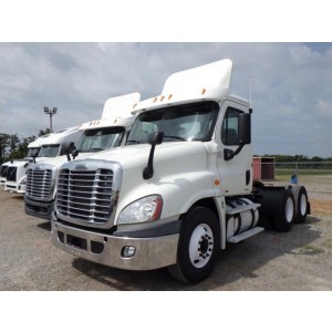 2011 Freightliner Cascadia Day Cab in TN