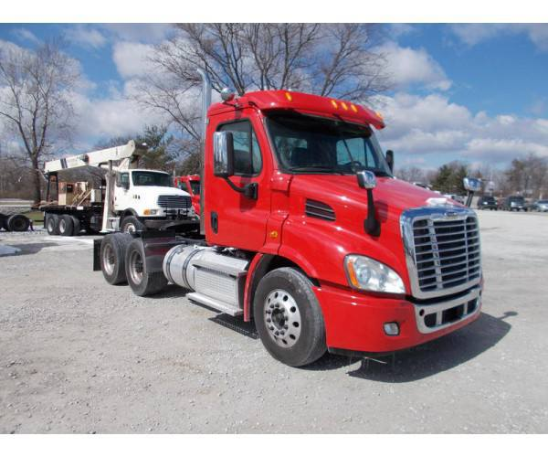 2015 Freightliner Cascadia Day Cab in IN