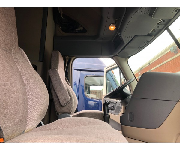 2014 Freightliner Cascadia in IL