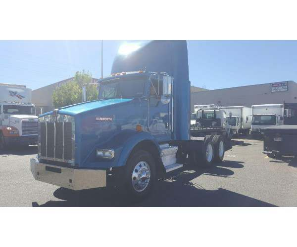 2007 Kenworth T800 Day Cab 3