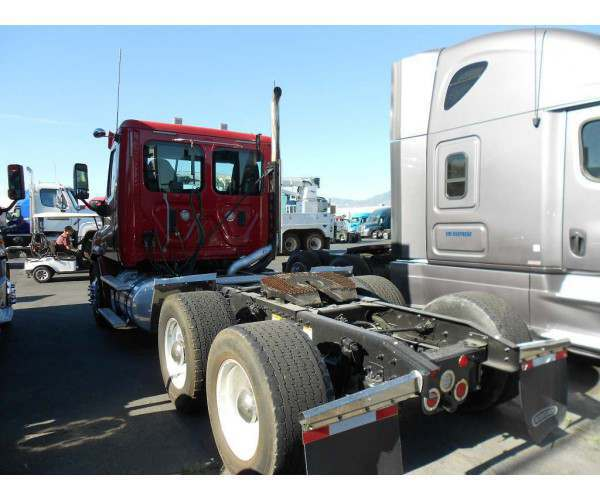 2013 Kenworth T660 Day Cab 4