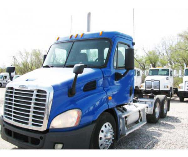 2010 Freightliner Cascadia Day Cab with Detroit DD13 in Kansas, wholesale, ncl truck sales