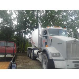 2009 Kenworth T800 Mixer Truck in LA