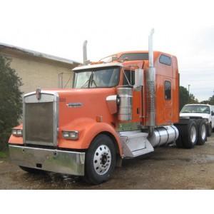 2005 Kenworth W900L in TX