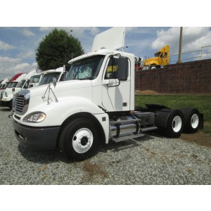 2009 Freightliner Columbia Day Cab in NC