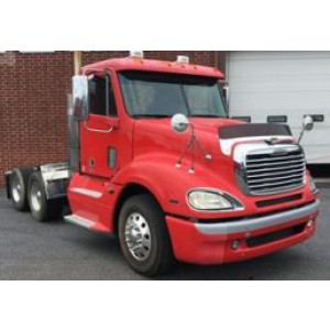 2009 Freightliner Columbia Day Cab in PA