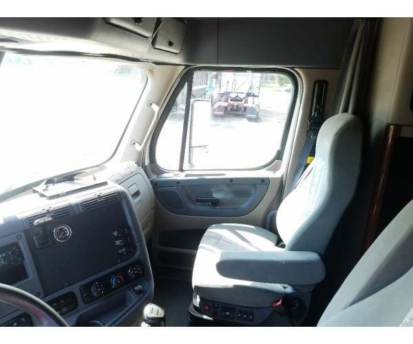 2012 Freightliner Cascadia in OH