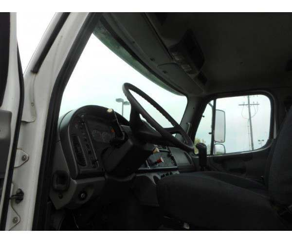 2005 Freightliner M2 Day Cab 1