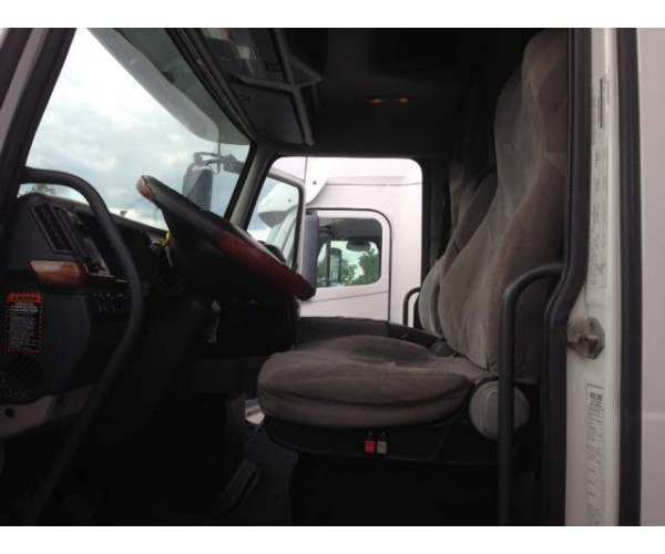 2009 Volvo VNL 630 with D13 and 18 speed manual in Missouri, ncl truck sales - wholesale trader