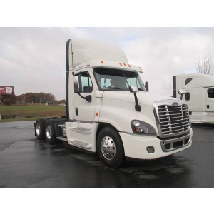 2015 Freightliner Cascadia Day Cab in OR