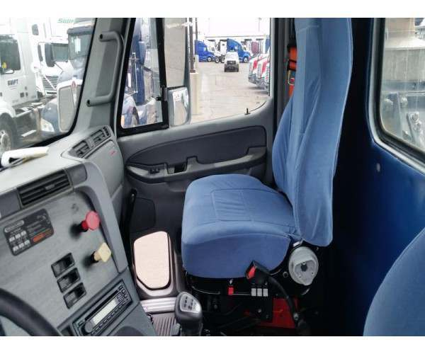 2009 Freightliner Columbia Day Cab 5
