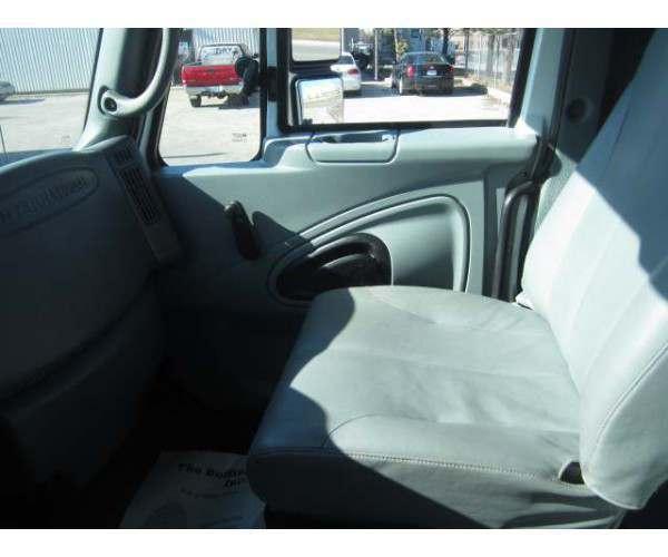 2006 International 7400 Day Cab 4
