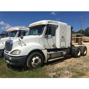 2009 Freightliner Columbia in MS