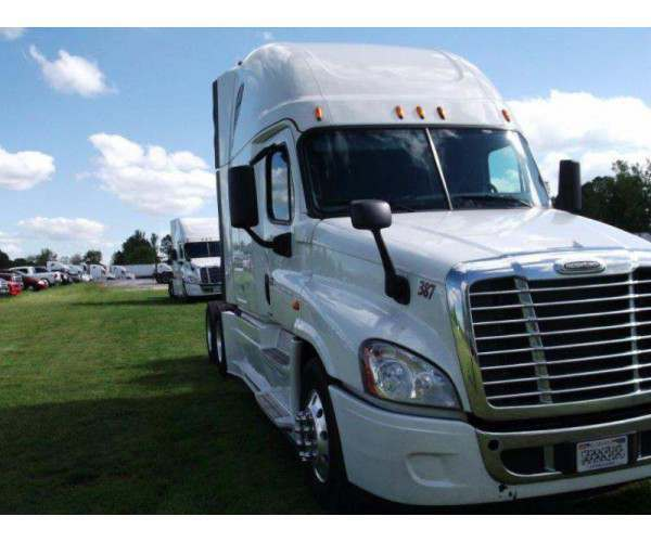 2015 Freightliner Cascadia Evolution 2