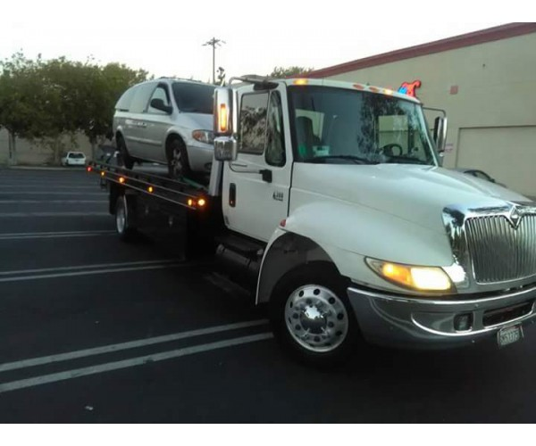 2007 International 4700 Car Carrier in CA