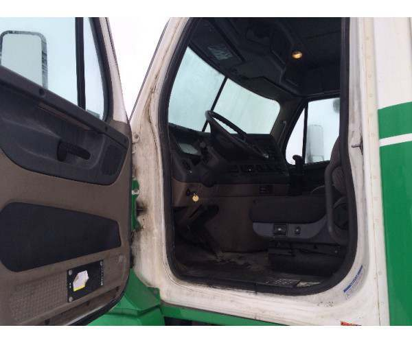 2011 Freightliner Cascadia Day Cab Michigan