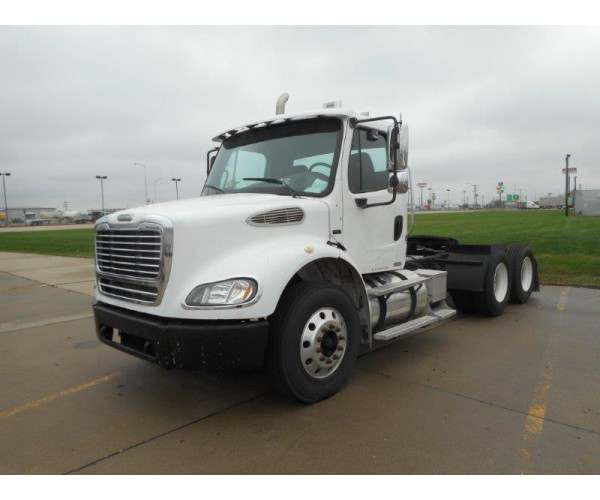 2005 Freightliner M2 Day Cab 3