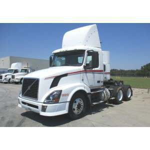2009 Volvo VNL 300 Day Cab