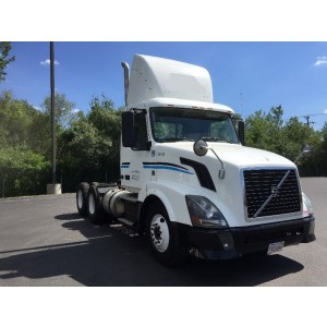 2012 Volvo VNL 300 Day Cab in MA