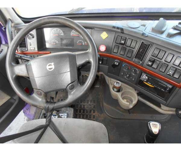 2008 Volvo VNL 670 6