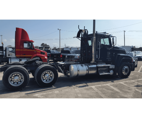 2013 Mack CHU613 Day Cab 1