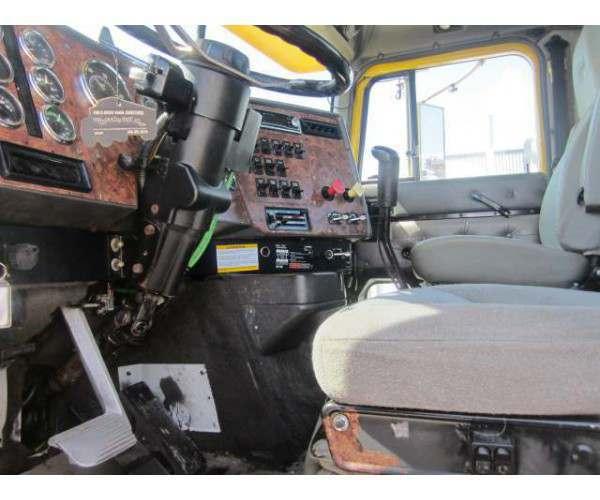 1998 International 9200 Day Cab3