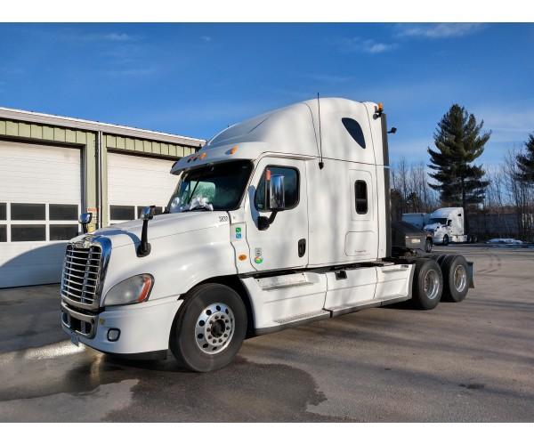2013 Freightliner Cascadia in ME
