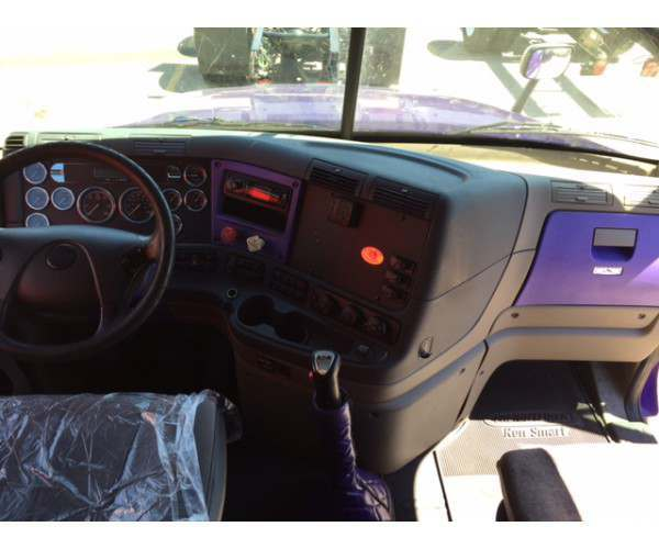 2011 Freightliner Cascadia in WI