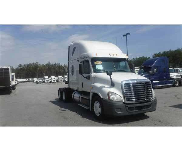 2013 Freightliner Cascadia in FL
