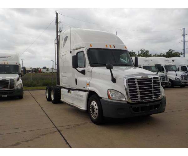 2012 Freightliner Cascadia in MO
