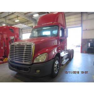 2012 Freightliner Cascadia Day Cab in PA