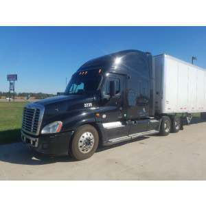 2011 Freightliner Cascadia in IL