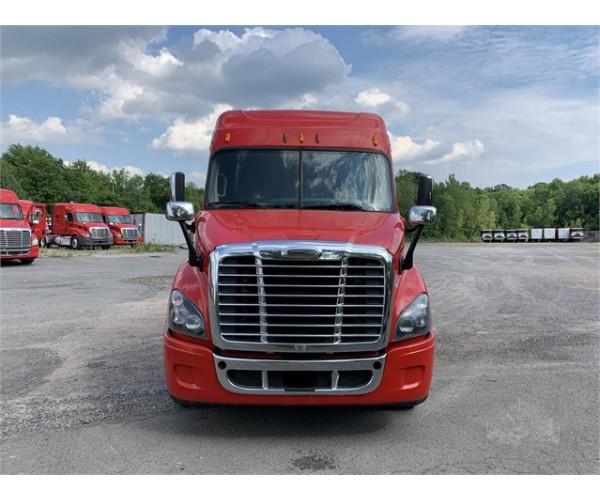 2015 Freightliner Cascadia in NY