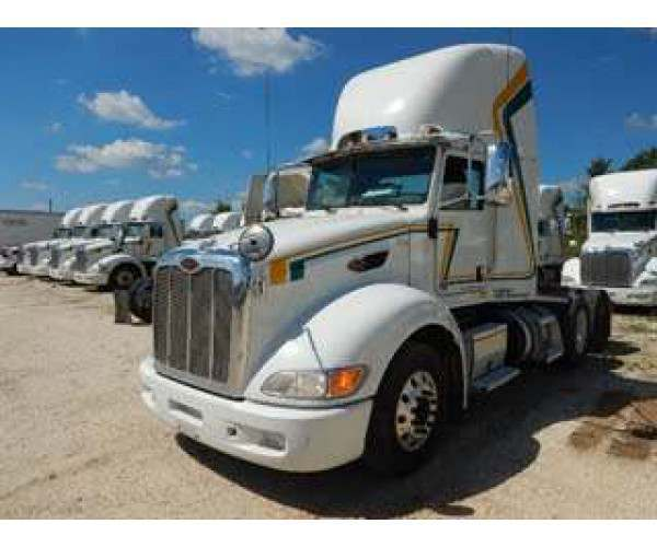 2013 Peterbilt 386 Day Cab1